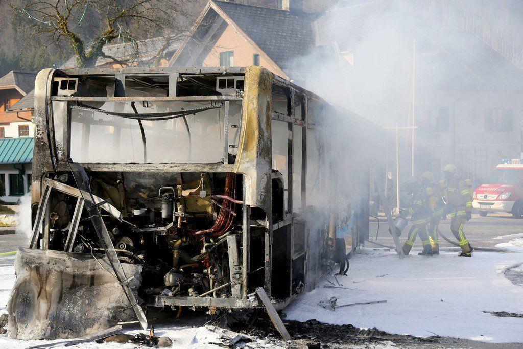 26.02.2014 - Linienbus brennt in Fürstenbrunn vollständig aus